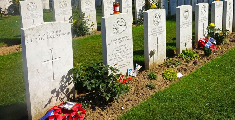 beaumont-hamel, hawthorn ridge cemetery, 51st highland division memorial, 8th argyll and sutherland highlanders