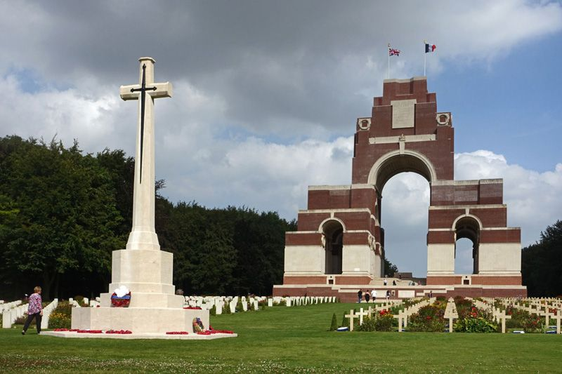 thiepval memorial celebrating the memory of the soldiers who died during the battle of the somme