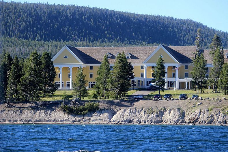 hôtel à Yellowstone par exemple lake hotel yellowstone